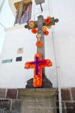 The cross on the corner of García Moreno y José Mejía at El Monasterio de La Concepción.