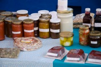Finca Chaupi Molino also sells jams, jellies, sauces, fresh cheese, and yogurt, and more.